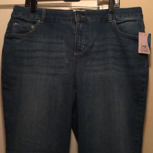 79ae50432c NWT Denim Jeans size 18 Women s Short